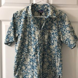 Patagonia men's floral short sleeve button down